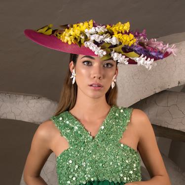 Cómo vestir para una boda de día: looks y tocados que te ayudarán a ser la invitada perfecta
