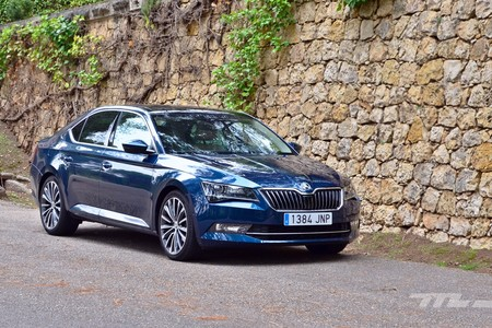 Skoda Superb 2 0 Tdi 150 L K 059