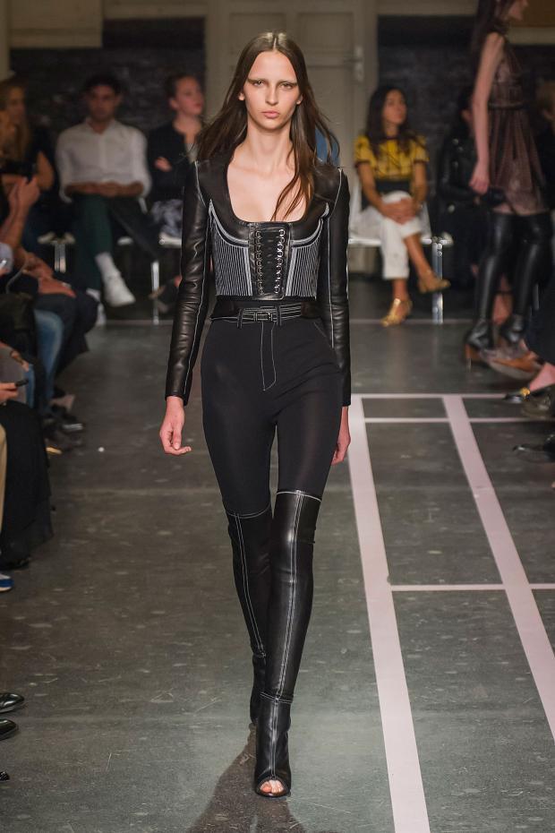 Foto de Givenchy colección Primavera-Verano 2015 (19/58)