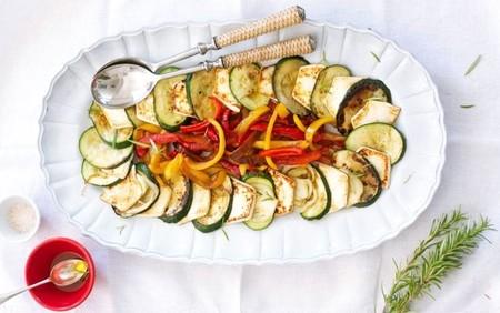 Abanico de verduras al grill con aceite de oliva y romero con Burgo de Arias Lingote
