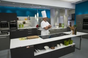 Karlos Arguiñano estrena nueva cocina llena de color