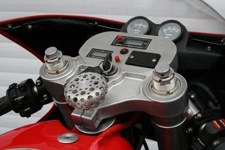 Moto Ferrari 11