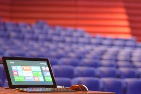 ¿Te ha regalado Papá Noel un equipo con Windows 8? Esto es lo que debes saber para empezar