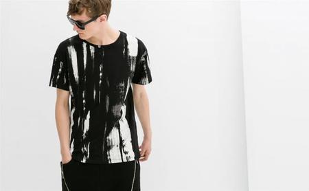 ¡A brochazos! El último estampado en las camisetas de Zara