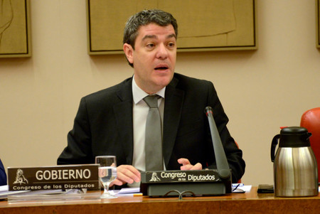 Alvaro Nadal, Ministro de Agenda Digital: La adopción de las TIC es una obligación