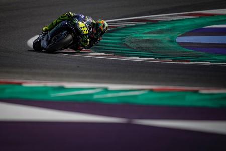 Valentino Rossi es optimista con la nueva Yamaha tras el test de Misano pero Maverick Viñales recela