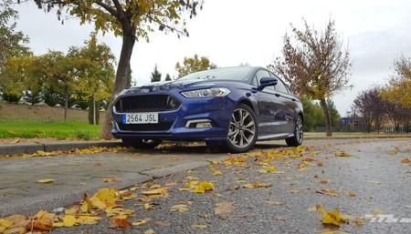Probamos el Ford Mondeo 'ST-Line' de 180 CV. Con berlinas así, ¿quién quiere un SUV?