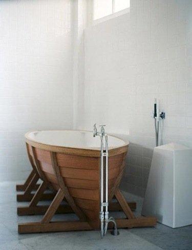 Una barca convertida en bañera