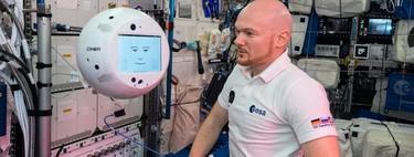 El asistente con IA que está en la ISS ya ha cumplido su primera jornada laboral de 90 minutos