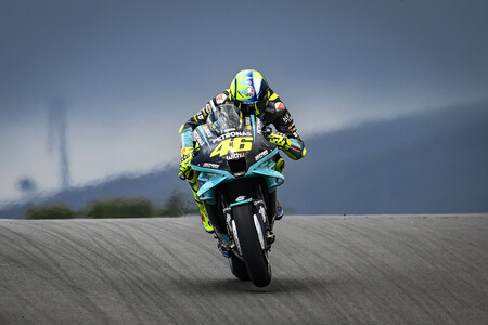 Valentino Rossi estaría camelando a Yamaha para que el VR46 use sus motos en MotoGP, o eso teme el Petronas
