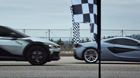Kia Ev6 Mclaren 570s Carrera Aceleracion