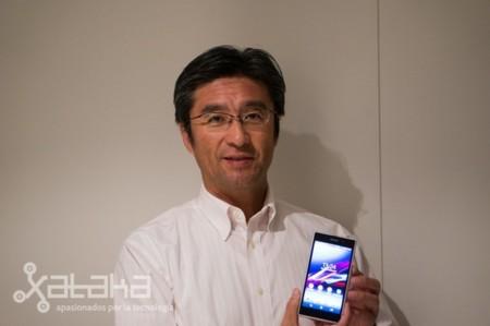 """""""Quien puede transferir tecnología de cámaras al móvil es Sony"""". Kuni Suzuki, CEO de Sony Mobile"""