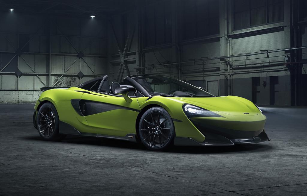 El McLaren 600LT Spider acelera de 0 a 200 km/h en 8,4 segundos y alcanza 315 km/h... a cielo abierto