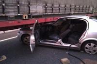 Hay gente con mucha suerte (XCIX): arrastrado casi 100 metros bajo un camión