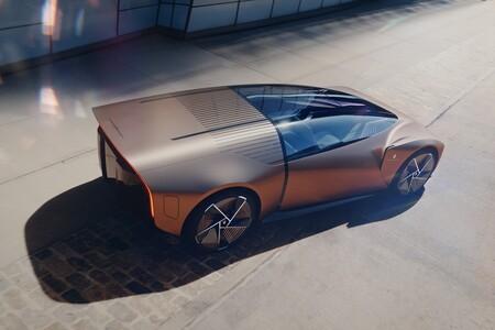 Pininfarina TEOREMA: un concept car salvaje y futurista creado con realidad virtual y realidad aumentada