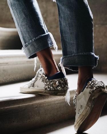 Lucir sneakers blancas y ganar estilo: 17 looks de streetstyle nos enseñan cómo combinarlas
