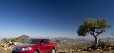 Toyota Hilux 2016: a prueba en el desierto y las dunas de Namibia