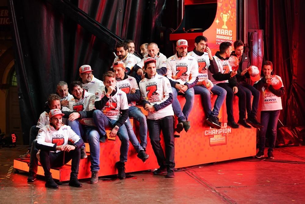 Foto de Celebración del séptimo título de Marc Márquez (8/12)