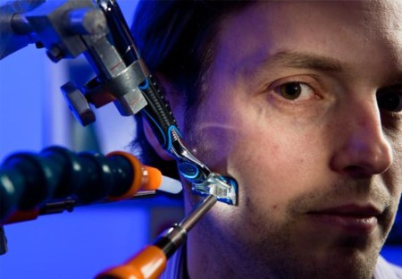 Hay un grupo de ingenieros aeroespaciales trabajando hoy para mejorar tu cuchilla de afeitar