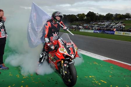 Scott Redding se proclama campeón británico de Superbikes antes de marcharse al WSBK con Ducati