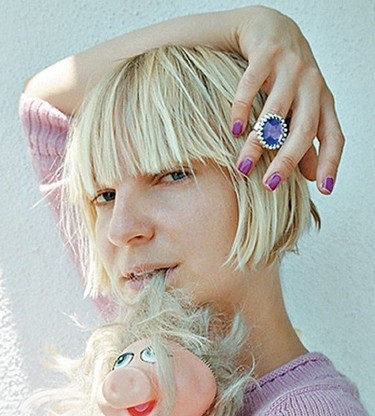 Poprosa te presenta a Sia Furler