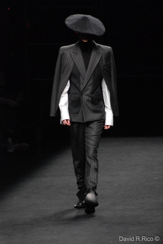 Foto de 080 Barcelona Fashion 2011: segunda jornada con las propuestas para el Otoño-Invierno 2011/2012 (75/99)