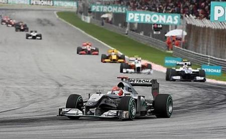 Mercedes podría empezar a preparar el coche de 2011 en junio
