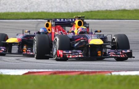 Un Mark Webber sin combustible tuvo que bajar revoluciones en  Malasia