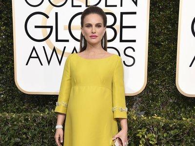 Globos de Oro 2017: Un medio recogido sencillo y sin gracia  para una embarazadísima Natalie Portman