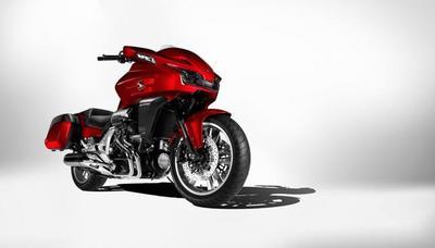 Salón de Milán 2013: viajando al futuro con la Honda CTX1300