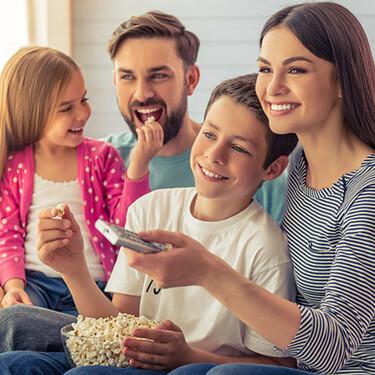 Las 21 series de Netflix, HBO, Prime Video y Movistar preferidas de mis hijos para disfrutar en vacaciones