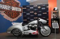 Los relojes Bell&Ross presentan su concept-bike o B-Rocket en Madrid