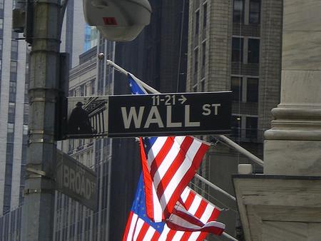Banqueros de Wall Street admiten errores por crisis financiera