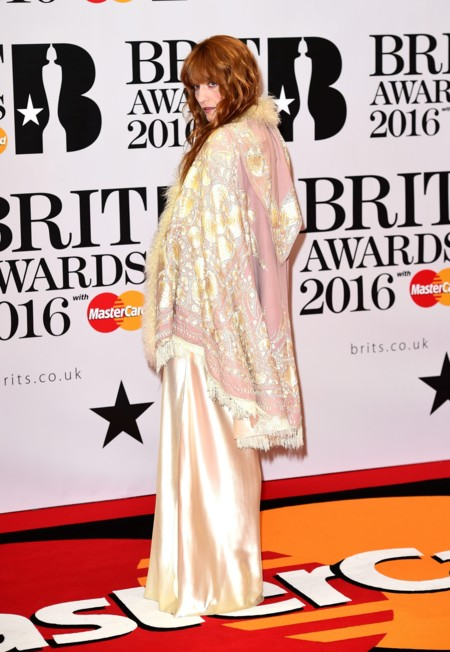 Florence Welch pone la nota diferente a los Brit Awards 2016