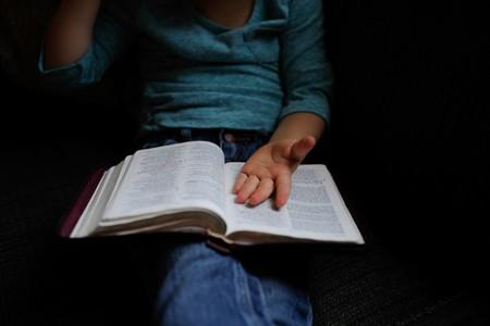 niño-leyendo-dislexia