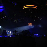 100 drones volando al ritmo de Black Eyed Peas: así la tecnología que Intel utilizó para hacer el show en México