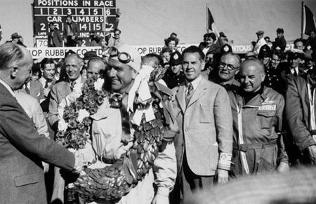 Giuseppe Farina celebración victoria Silverstone 1950 F1
