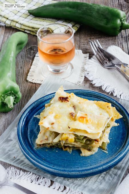 Lasaña de rajas de poblano y elote. Receta mexicana vegetariana