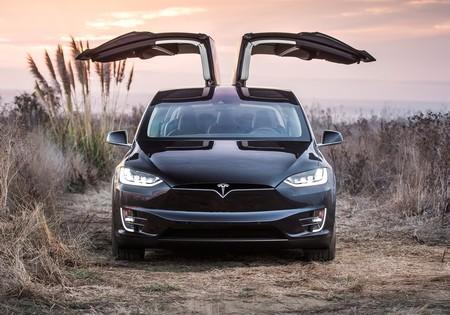 Tesla está pagando por instalar puntos de carga universales para autos eléctricos