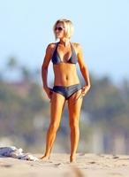 Jenny McCarthy, estupenda y fabulosa en la playa