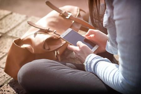 Así funciona la relación de dependencia que establecen los jóvenes con sus móviles