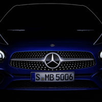 Aquí está el Mercedes SL 2016 en un teaser que muestra más de lo habitual