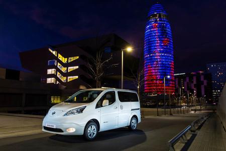 Nissan reducirá drásticamente la producción en Barcelona de su furgoneta eléctrica, la e-NV200: de 100 a 60 unidades al día