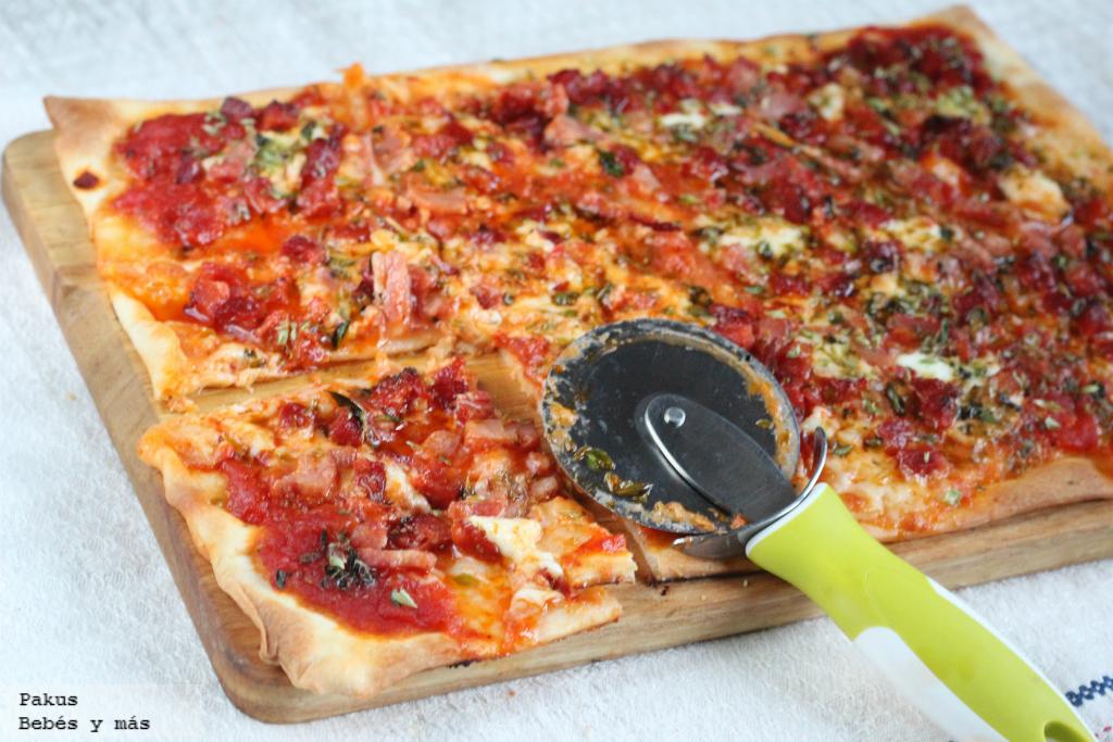 pizza casera de choribacon receta fcil para las cenas familiares