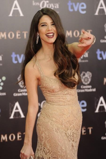Juana Acosta con transparencias y encaje de Zuhair Murad Alta Costura en los Premios Goya 2014