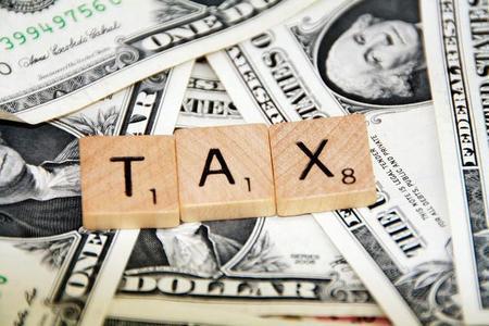 Los españoles trabajamos 130 días al año de media sólo para pagar impuestos