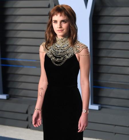 Emma Watson aprovecha la fiesta de Vanity Fair para mostrar al mundo su nuevo tatuaje feminista