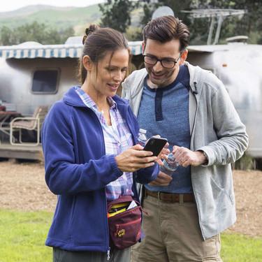 'Camping': una Jennifer Garner pasada de rosca sentencia una comedia olvidable