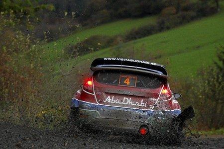Rally de Gales 2011: Sébastien Loeb toma una pequeña ventaja