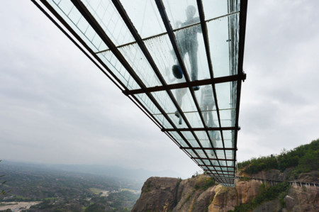 Worlds Longest Glass Bridge Shiniuzhai Geopark China 04